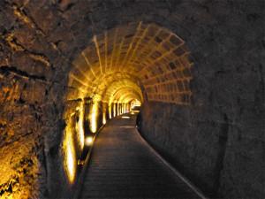 Kruisvaarders tunnel  - verbinding tussen fort en haven