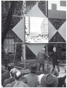 Het startsein voor de realisatie van Hoog Catharijne in 1965.