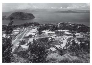 Gezicht op Hollandia (Nieuw-Guinea)