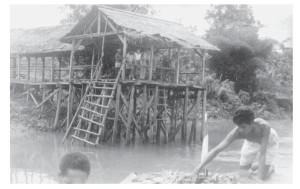 Aanlegsteiger in de Kao-rivier