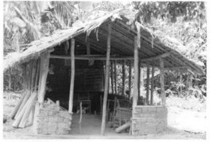 "Figure 5 - ""Primitive school"", MSC mission area, exact place and date unknown. MSC Borgerhout Collection."