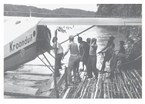 Landing op de Idenburgrivier