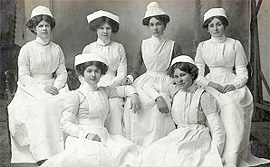 vintage-nursing-students