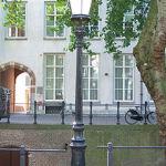 220px-Streetlight_Pyke_Koch_Nieuwegracht_Utrecht