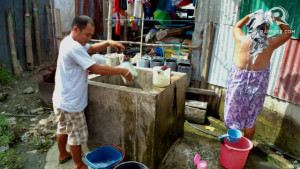 WATER. Only 24% of poor households among the country's poorest provinces have access to running water, a 2015 World Food Programme survey shows. File photo by Fritzie Rodriguez/Rappler