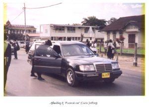 'Funeral car' (Foto: Carlo Jeffrey)