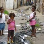 children_and_sewage_in_maputo