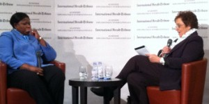 Marlise Simons ~ Rokende spiegel - 'Kissinger noemde mij een rood onbetrouwbaar element'